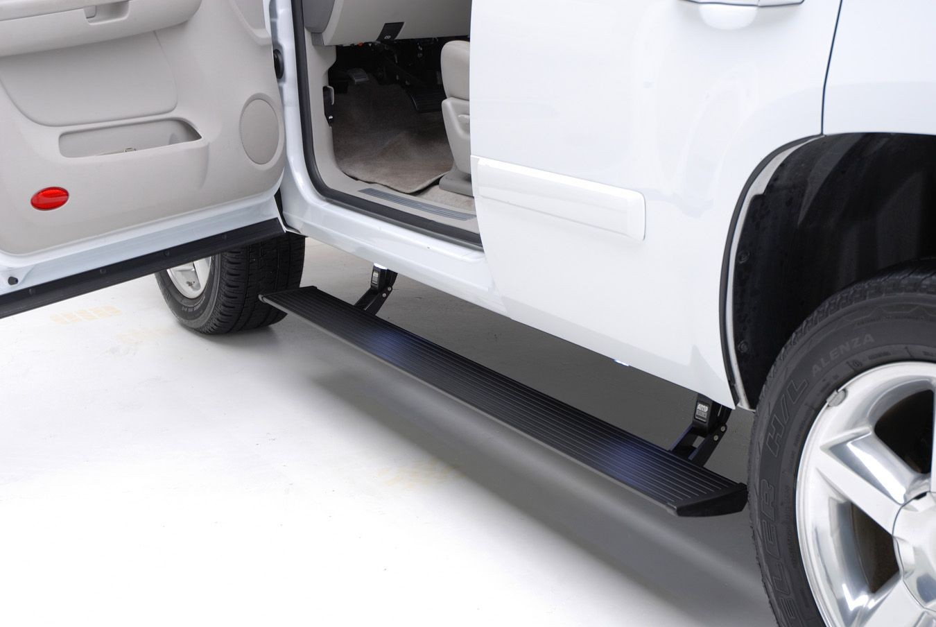 AMP ResearchPowerStep Electric Running Boards Plug N Play System